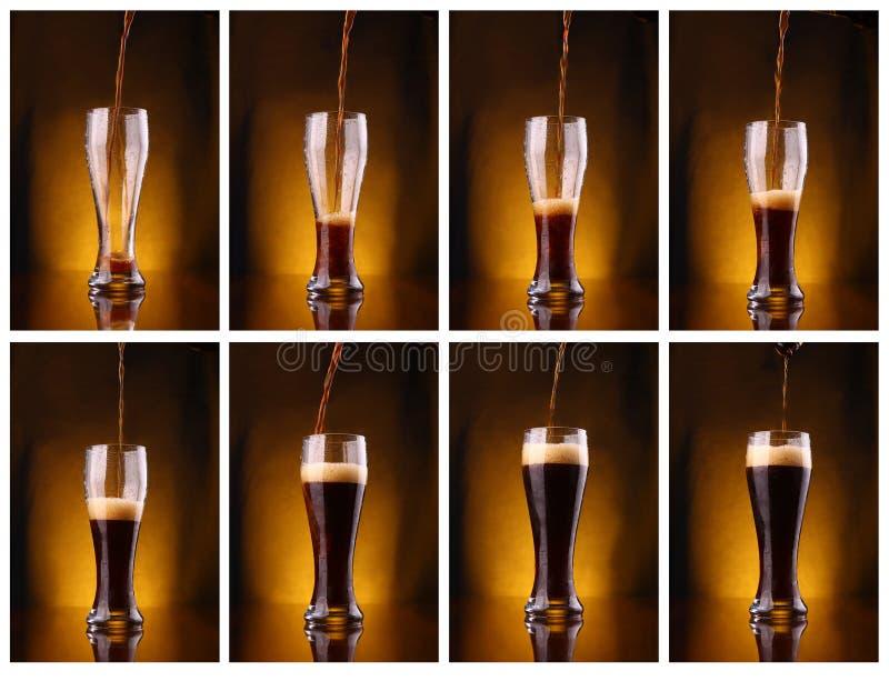 Pleuvoir à torrents de bière foncée images libres de droits
