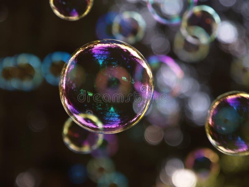 Pleuvoir des bulles image libre de droits