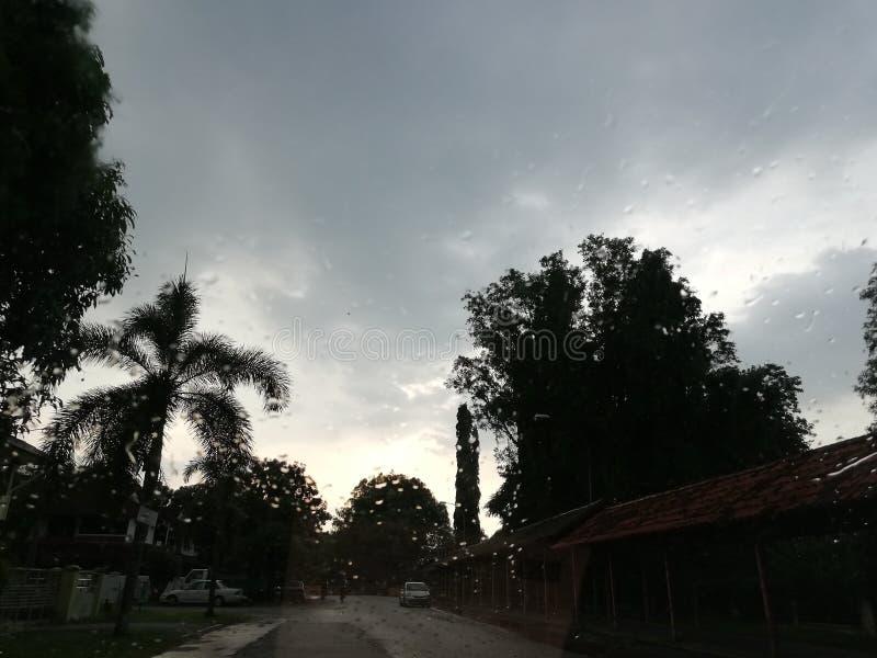 Pleuvoir des jours image libre de droits