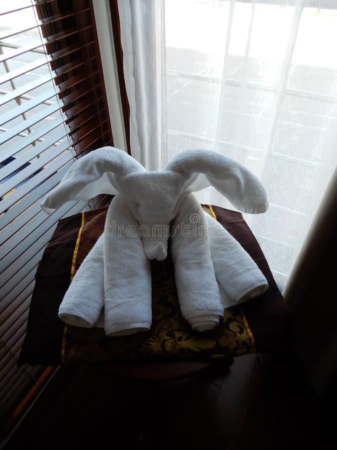 Pliage artistique de serviette photos stock