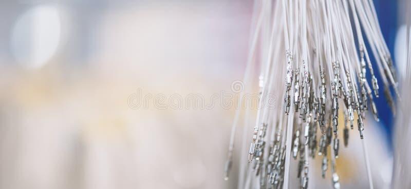 Plik crimped kable z ostrze włącznikami Elektryczni kontakty Kończący druciany przygotowywa tworzenie związek fotografia royalty free