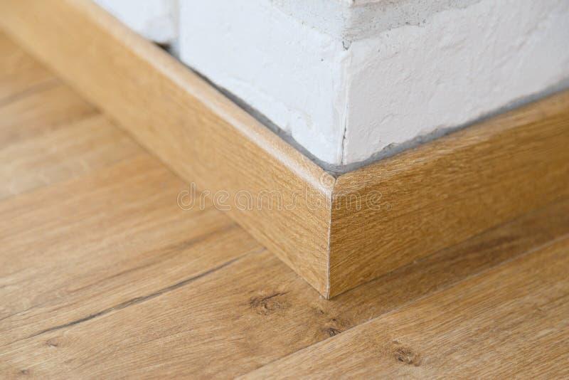 Plinto di legno del pavimento fotografia stock libera da diritti