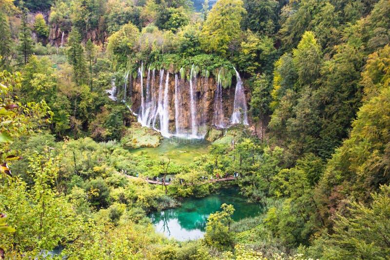 Plitvice湖国立公园,克罗地亚 美丽的瀑布和普利特维采湖群国家公园湖风景  库存照片