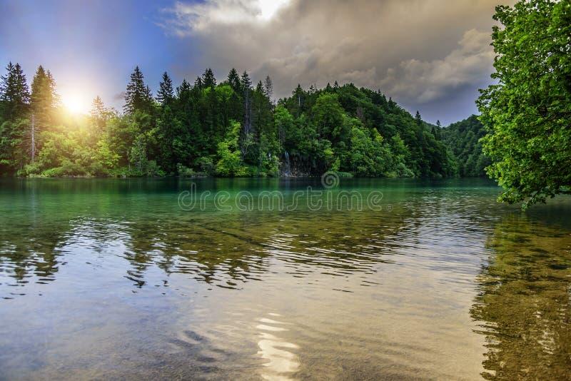 Plitvice jeziora w wieczór zdjęcie stock