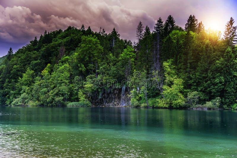 Plitvice jeziora w wieczór zdjęcie royalty free