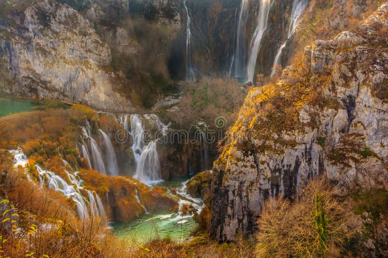 Plitvice Seen: Kroatiens Naturwunder stellte vor stockbilder