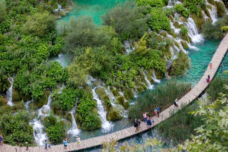 Plitvice, un paradis naturel sur terre a rempli d'eau et de cascades claires image stock