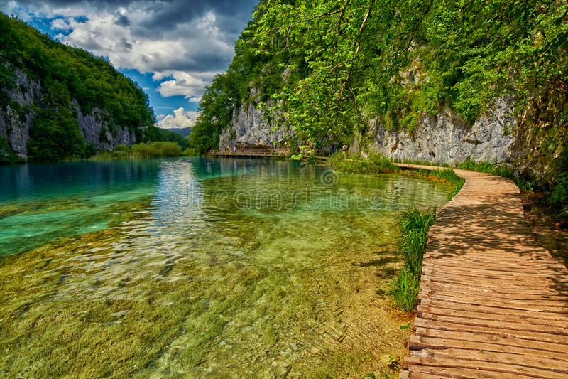 Plitvitce湖路,克罗地亚 免版税库存图片
