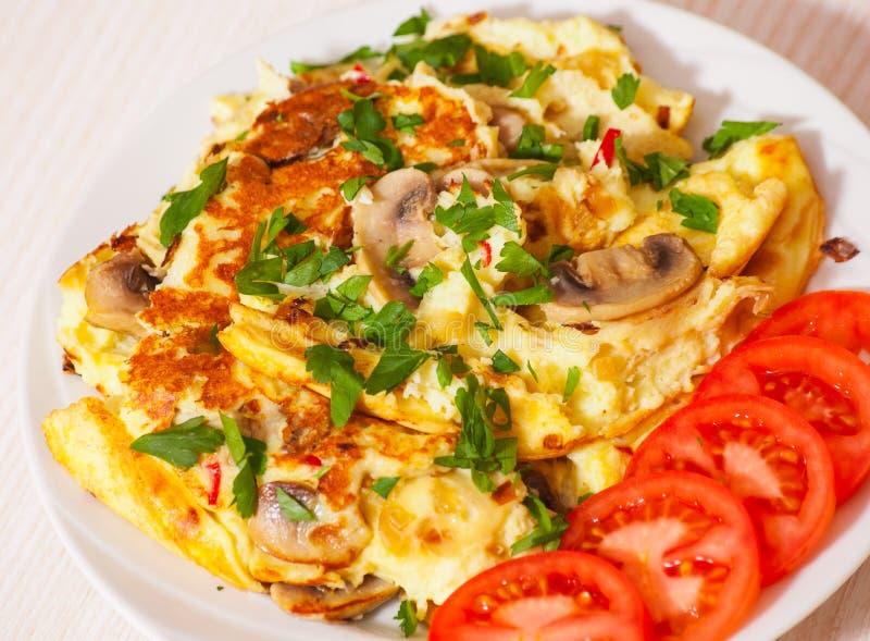 plocka svamp omelett royaltyfria foton
