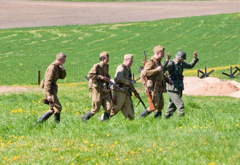 Ploeg Van Riflemen Escortes POW Redactionele Stock Afbeelding