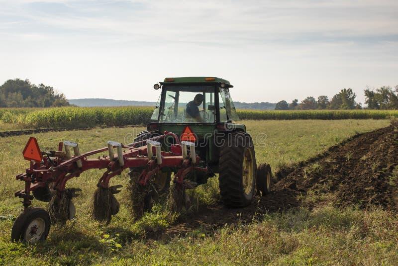 Ploga för traktor fotografering för bildbyråer
