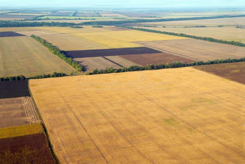 Plogat fält och annan jordbruksmark royaltyfria foton