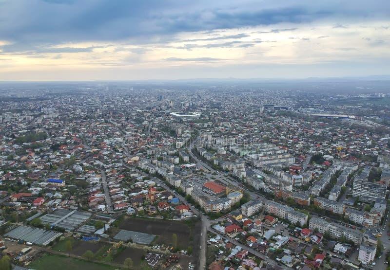 Ploiestistad, het zij panoramische luchtbeeld van Roemeni?, het oosten stock foto's