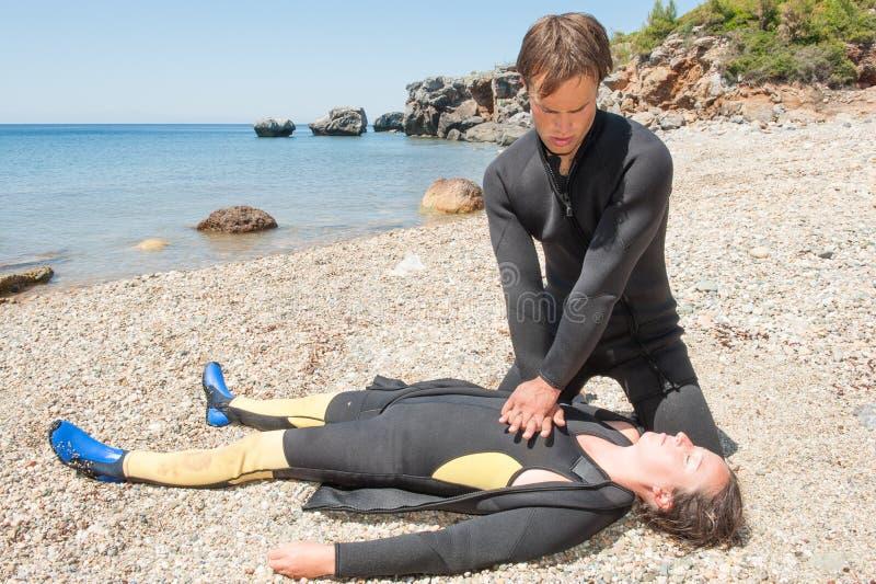 Délivrance de plongeur photo libre de droits
