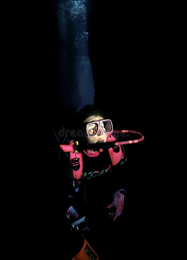 Plongeur de caverne image libre de droits
