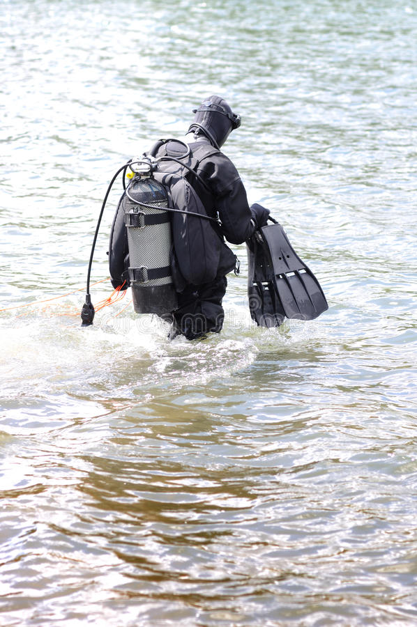 Plongeur de sauvetage en néoprène photo libre de droits