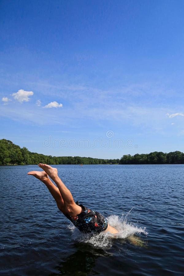 Plongeur Man Lake Connecticut photographie stock