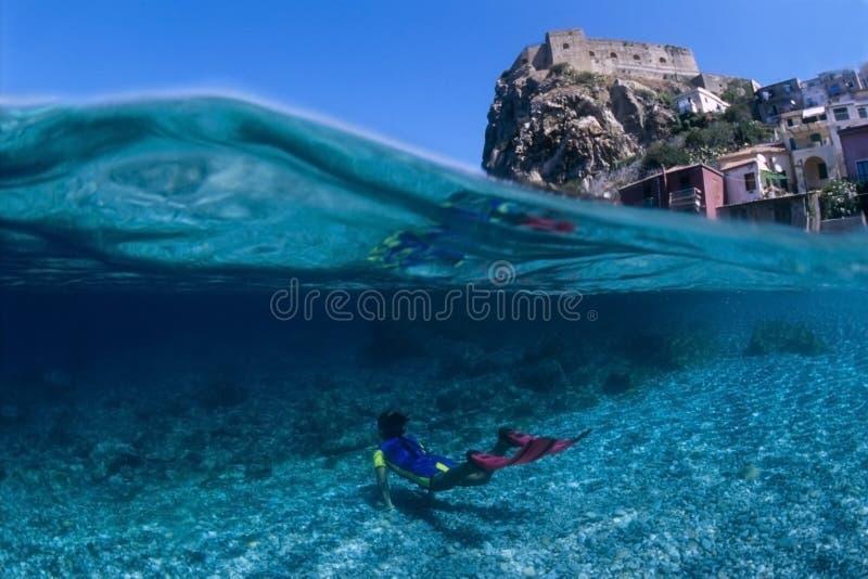 plongeur peu images libres de droits