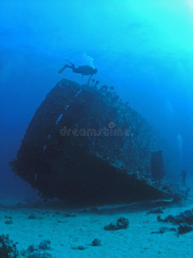 Plongeurs à l'épave de Carnatic, image stock
