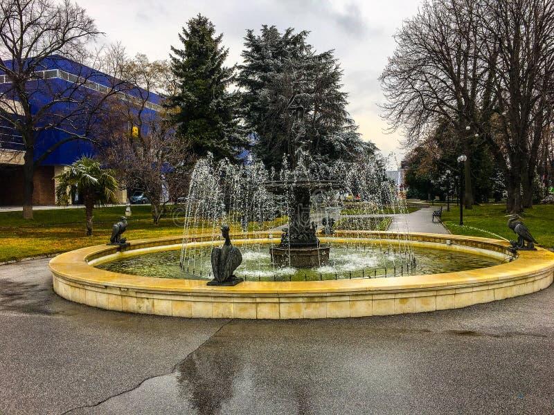 Plovdiv Agra springbrunn sjö 2018 royaltyfri fotografi