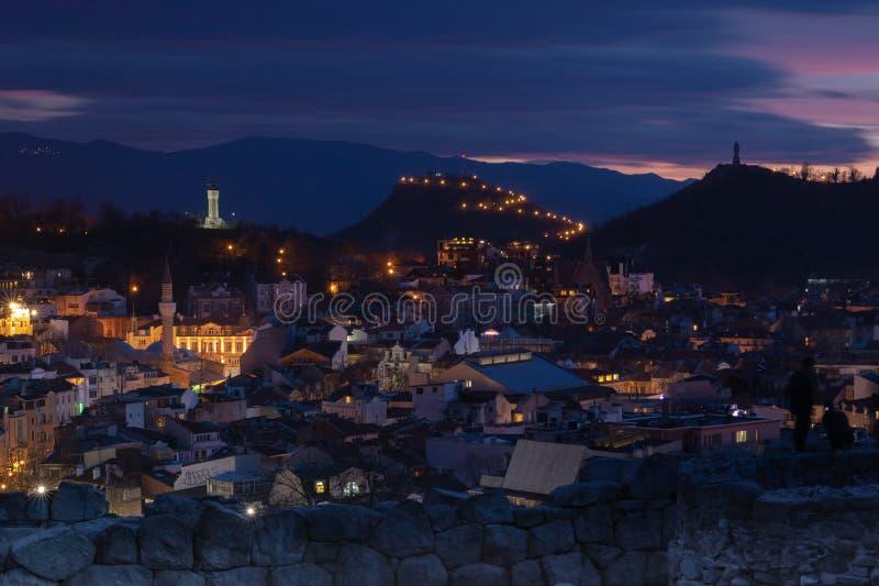 Plovdiv, Bulgarije bij zonsondergang - panorama royalty-vrije stock foto