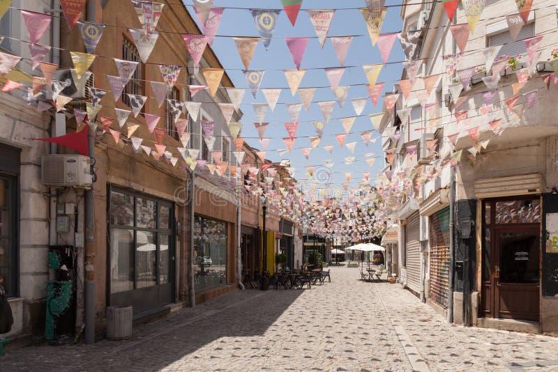 PLOVDIV, BULGARIJE - JULI 2, 2017: Straat in district Kapana, stad van Plovdiv, Bulgarije Plovdiv zal Europees Kapitaal van zijn stock foto's