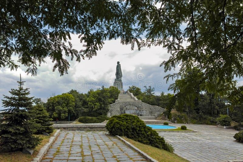 PLOWDIW, BULGARIEN AM 11. JUNI 2017: Monument der sowjetischen Armee bekannt als Alyosha in der Stadt von Plowdiw stockbild