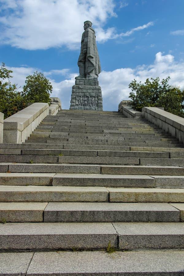 PLOWDIW, BULGARIEN AM 11. JUNI 2017: Monument der sowjetischen Armee bekannt als Alyosha in der Stadt von Plowdiw stockfotografie