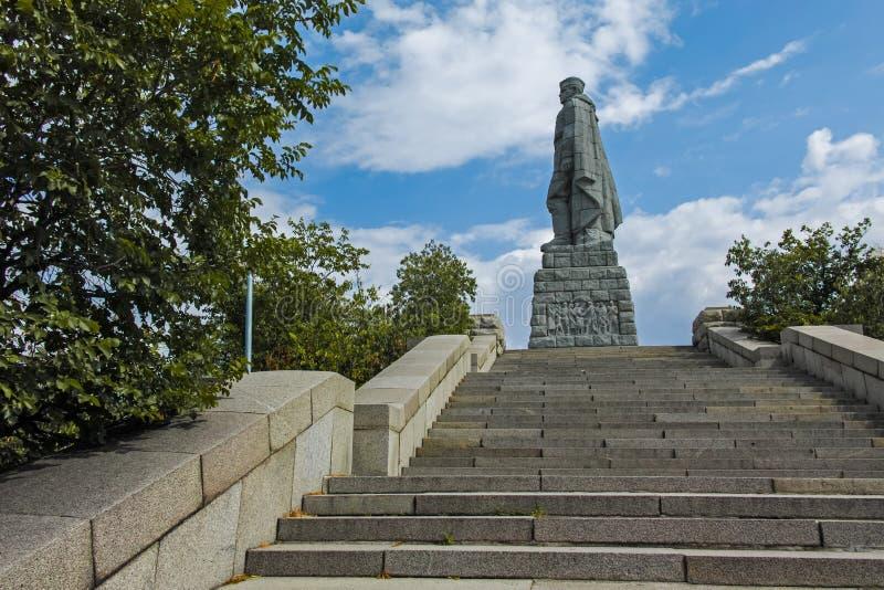 PLOWDIW, BULGARIEN AM 11. JUNI 2017: Monument der sowjetischen Armee bekannt als Alyosha in der Stadt von Plowdiw lizenzfreies stockbild