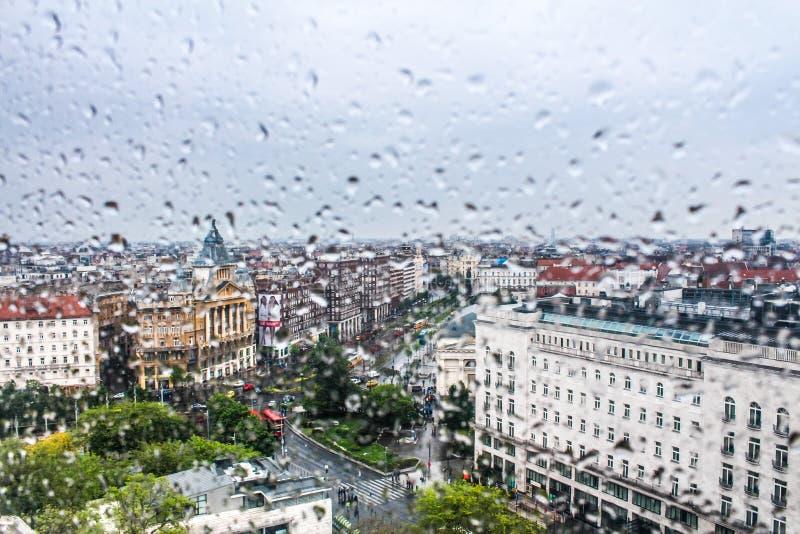 Pluie à Budapest image stock