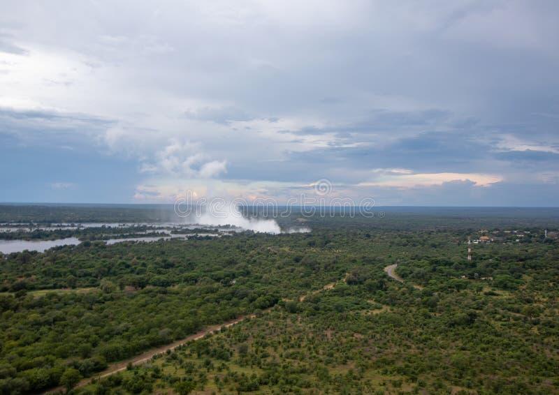 Pluim van beroemde Victoria Falls in Zimbabwe stock foto's