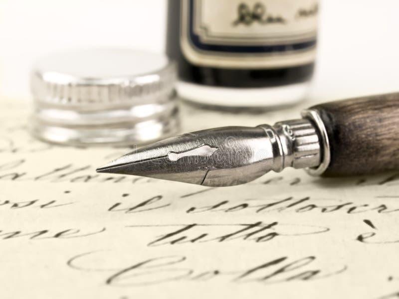 Pluma vieja y caligrafía retra. imágenes de archivo libres de regalías