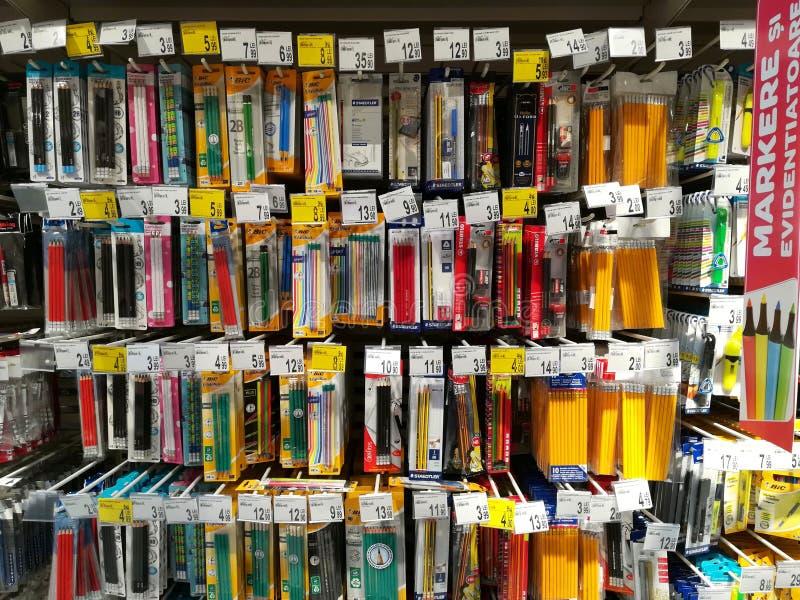 Plumas y lápices fotos de archivo libres de regalías