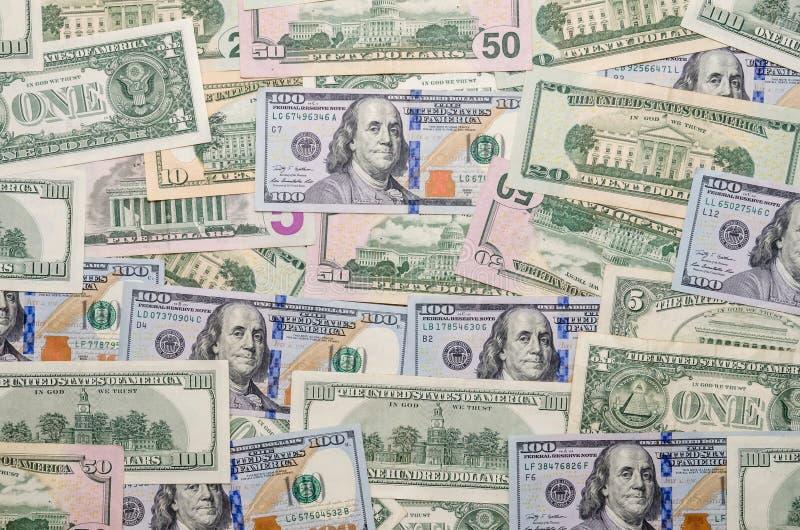 Plusieurs billets d'un dollar photos stock