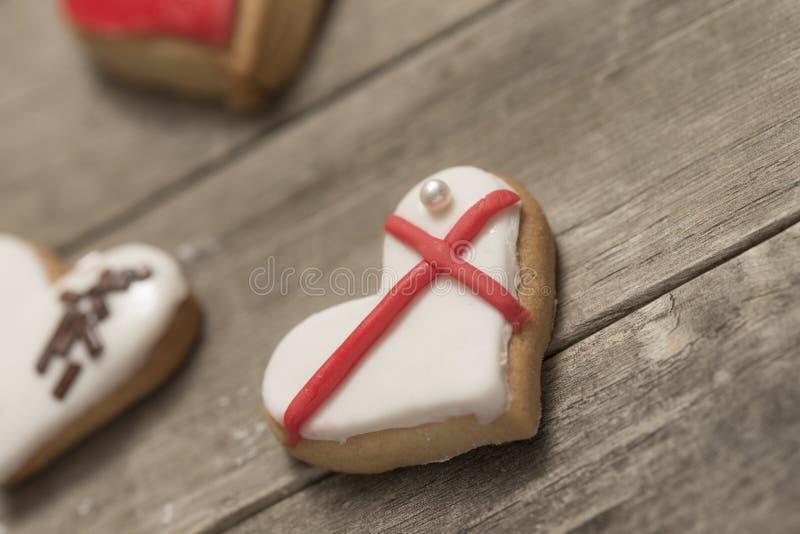 Plusieurs biscuits délicieux avec le glaçage images libres de droits
