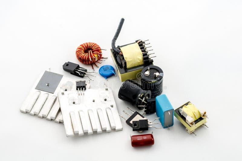 Plusieurs pièces électriques image stock