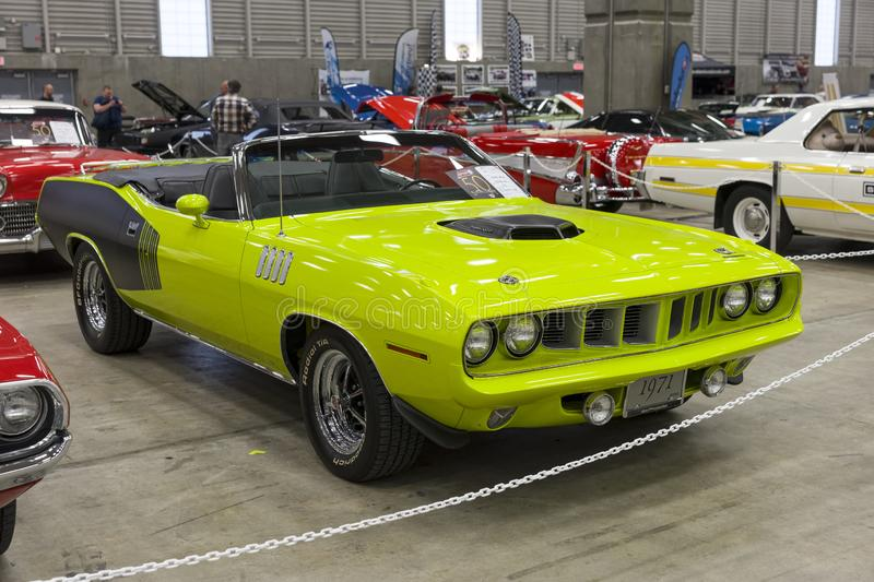 1971 plymouth hemi cuda convertible front side view stock photo
