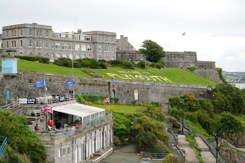 Plymouth-strandboulevardterrassen en de Koninklijke Citadel royalty-vrije stock afbeeldingen