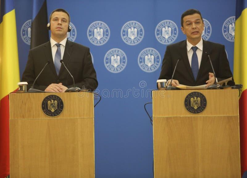 PM Sorin Grindeanu - PM Juri Ratas obrazy royalty free