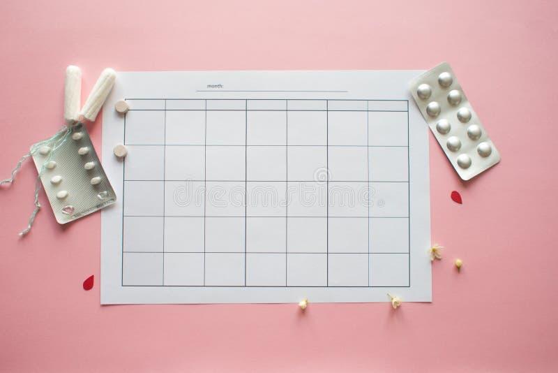 PMS et le concept critique de jours Calendrier mensuel vide pour menstruel, PMS ou marques d'ovulation photo libre de droits