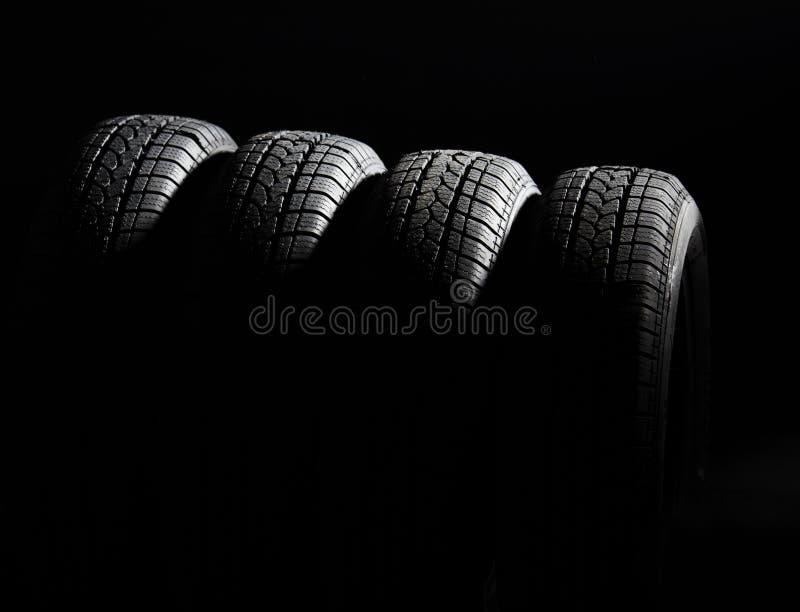 Pneu de voiture noir photographie stock libre de droits