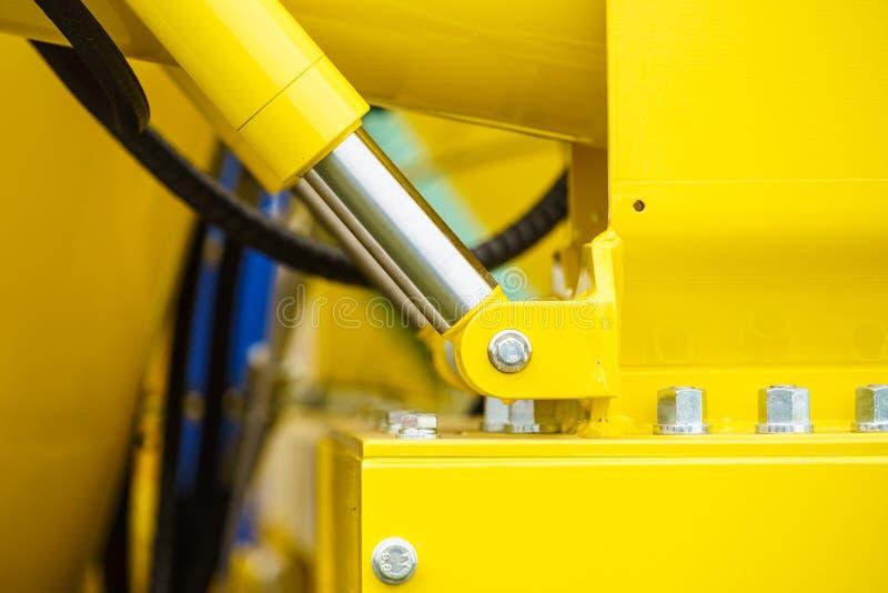 Pneumatische, hydraulische Maschinerie hergestellt vom Stahl lizenzfreies stockfoto