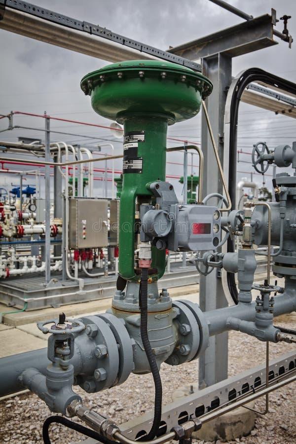 Pneumatyczna spływowa Kontrolna klapa dla rafinerii lub fabryki chemikaliów fotografia royalty free