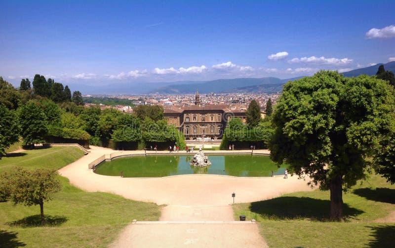 Pnoramic视图在Boboli庭院里在佛罗伦萨 免版税库存图片