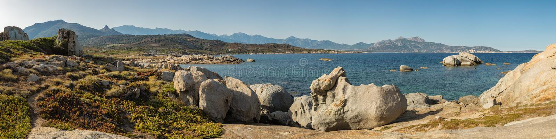 Pnoramic-Ansicht von Calvi-Bucht von Punta Spanu in Korsika stockfotografie