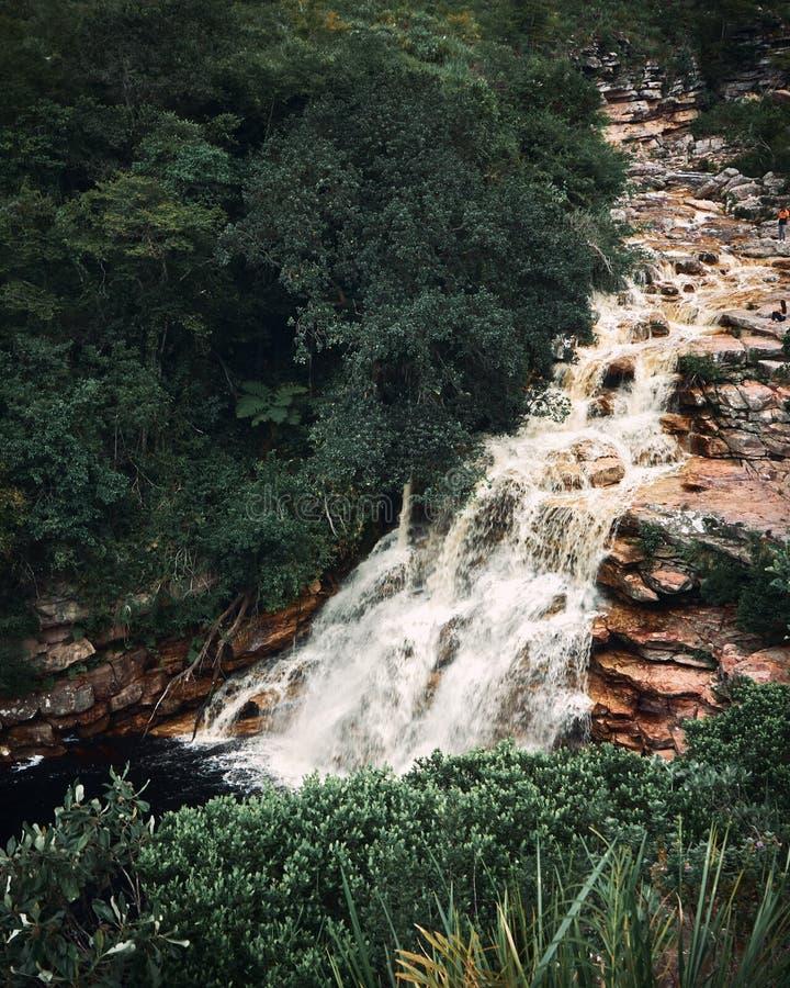 Poço gör diabovattenfallet, den Mucugezinho floden, Lençóis - Bahia, Brasilien arkivbild