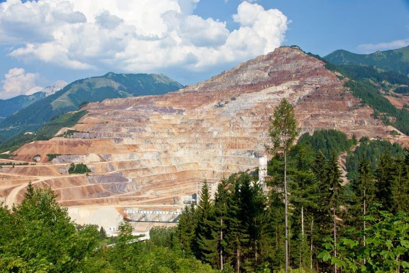 Poço aberto da mina de Erzberg imagens de stock