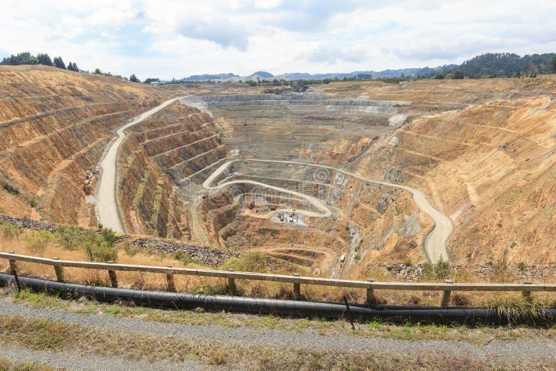 Poço aberto de uma mina de ouro martha em Waihi, Nova Zelândia imagem de stock royalty free