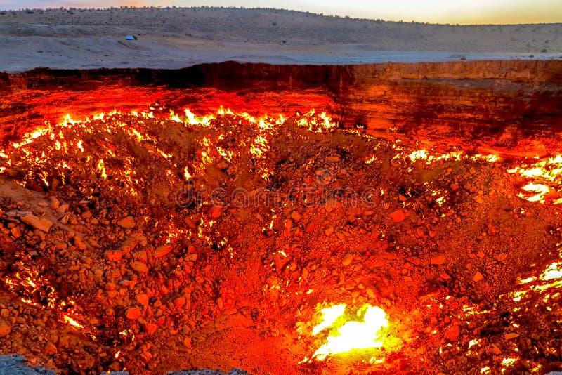 Poço 09 da cratera do gás de Darvaza fotografia de stock royalty free