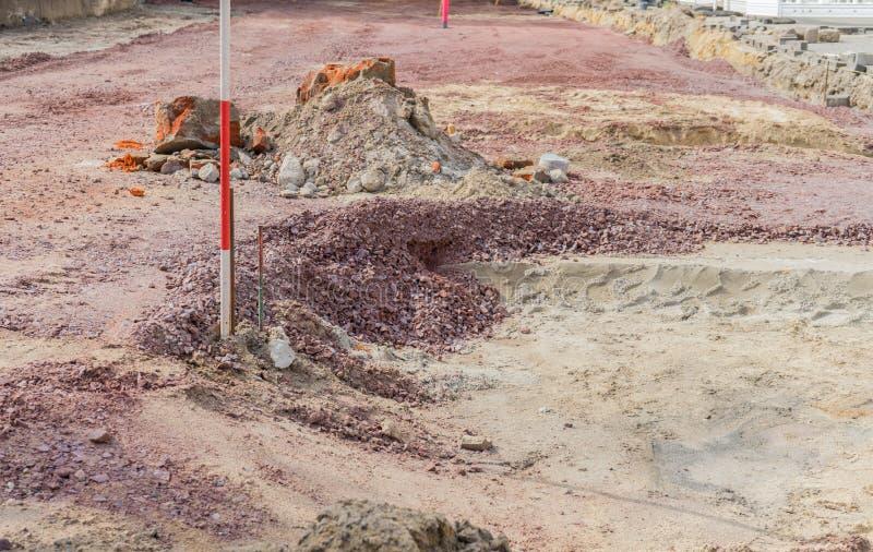 Poço da escavação com areia e cascalho fotografia de stock royalty free